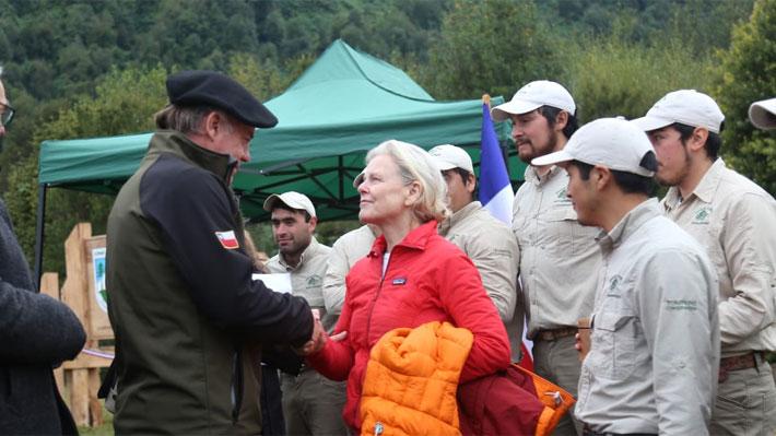 Pumalín y Patagonia se despiden de Tompkins: Fundación hace entrega oficial de los parques al Estado