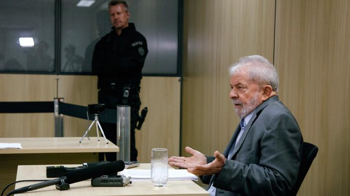 "Lula da Silva considera que Brasil está gobernado por un ""puñado de locos"""