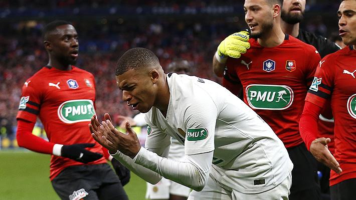 Mira la brutal patada de Mbappé en la sorpresiva derrota del Paris Saint Germain en la final de la Copa de Francia