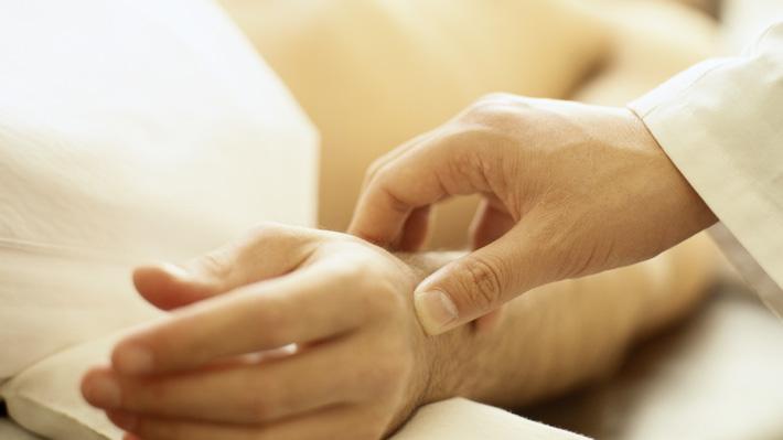 """Mujer pide la eutanasia: """"Estoy cansada de vivir así, siento que tengo de esclavos a mis papás"""""""