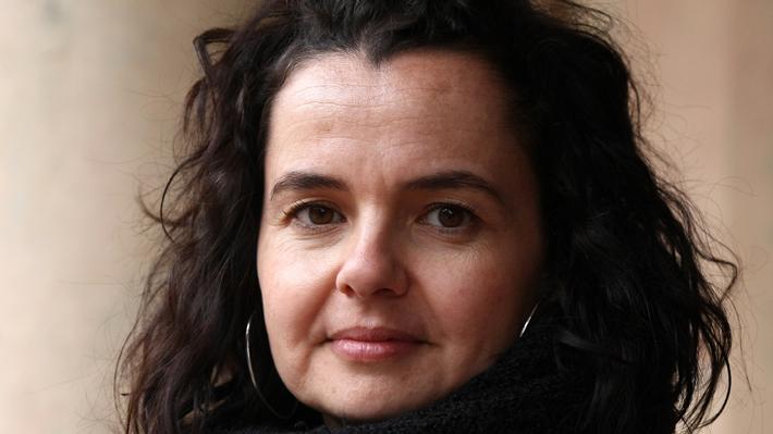 """Socióloga analiza la clase media chilena: El meollo está en los """"que ya no son pobres, pero tampoco logran la estabilidad que desean"""""""