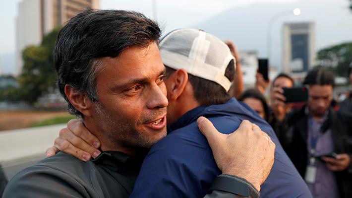 Leopoldo López y su familia ingresaron como huéspedes a residencia de embajada chilena en Caracas