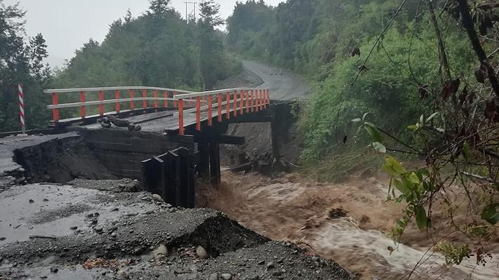 Frente de mal tiempo en Región de Los Lagos: Tres muertos, cortes de ruta y suspensión de clases en P. Montt y Cochamó