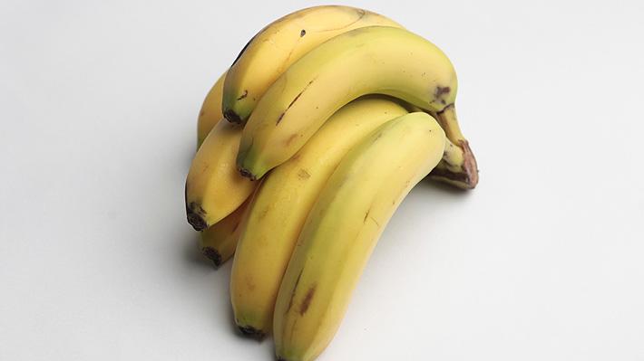 Plátano: Los beneficios que contiene esta fruta en la piel para arrugas, acné y manchas
