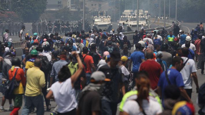 Fiscalía venezolana emite 18 órdenes de detención tras fallido alzamiento militar contra Maduro