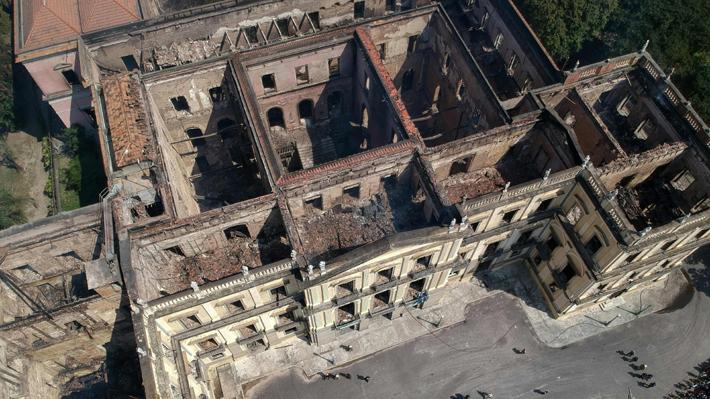 """Museo Nacional de Río necesita """"urgentemente"""" fondos para continuar restauración tras el incendio"""
