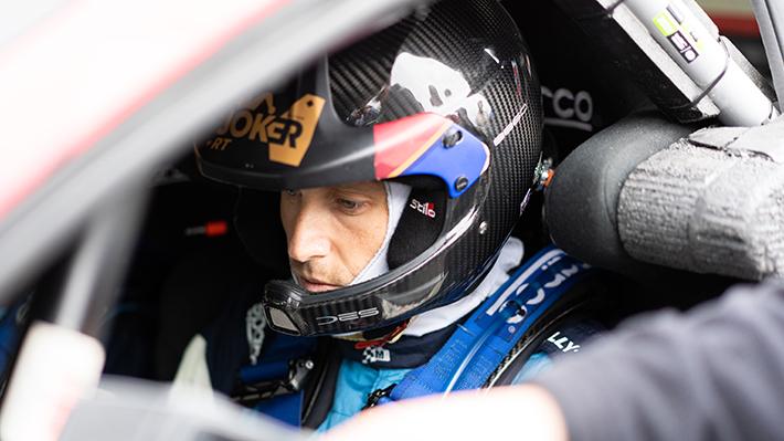 Pedro Heller volcó en la primera prueba especial del WRC y retrasan segundo tramo en Concepción