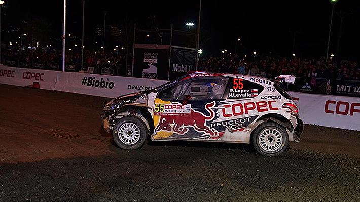 """La dura noche de """"Chaleco"""" López en el WRC: Impactó con un tambor en la Especial Callejera"""