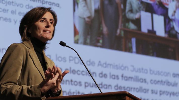 Ministra Cubillos sale al paso de las críticas por e-mails que defienden el proyecto de Admisión Justa