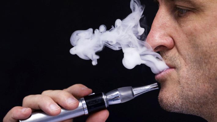 Diputados UDI presentan proyecto de ley que prohíbe venta de cigarrillos electrónicos a menores de edad