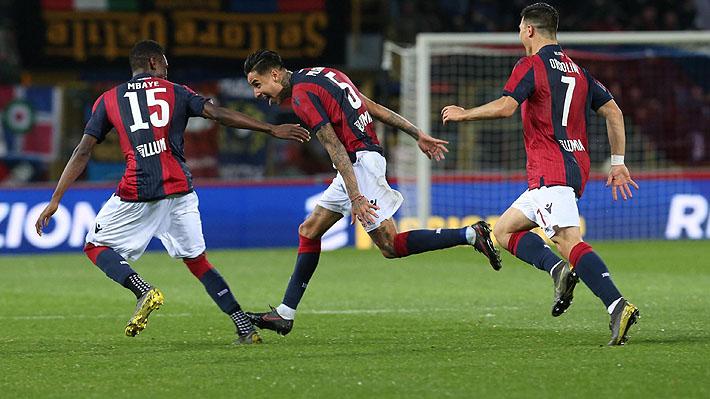 El tiro libre de Erick Pulgar que desató la discusión en la victoria del Bologna sobre el Parma