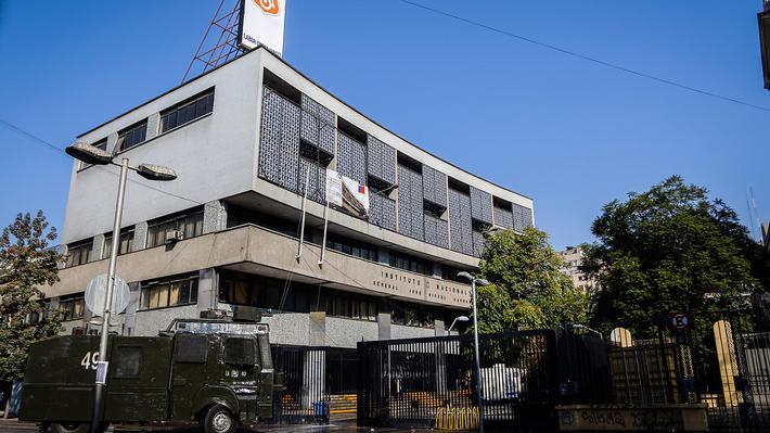 """Alcalde Alessandri culpa a """"grupo anárquico"""" de la violencia en el Instituto Nacional"""