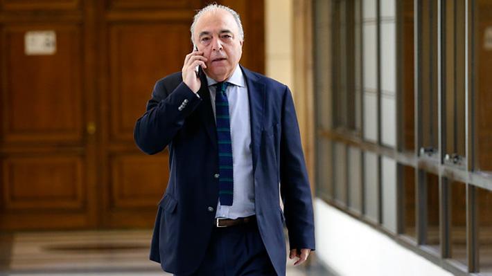 Video | El día de furia del diputado García (RN): Tuvo tenso altercado con Hertz y Parra y golpeó a periodista
