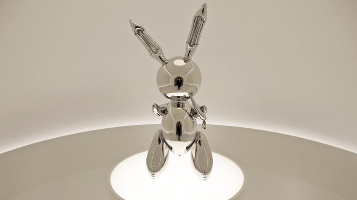 La millonaria cifra a la que se vendió una obra de Jeff Koons, que lo convierte en el artista vivo más caro