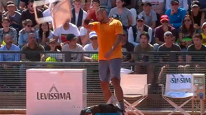 """La ATP se cansa del """"show"""" de Kyrgios e informa sanciones tras ser descalificado por lanzar una silla a la cancha"""