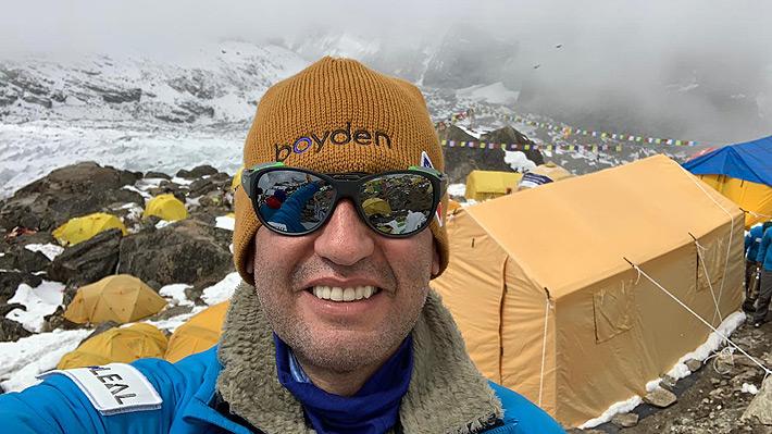 Chileno que retornó desde la cumbre del Kanchenjunga contó detalles de la ruta y lo mal que está por la desaparición de Vivanco