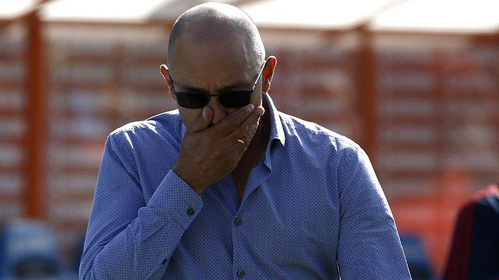El escenario en que queda Azul Azul si quiere despedir a Arias luego que el DT reiterara que no va a renunciar