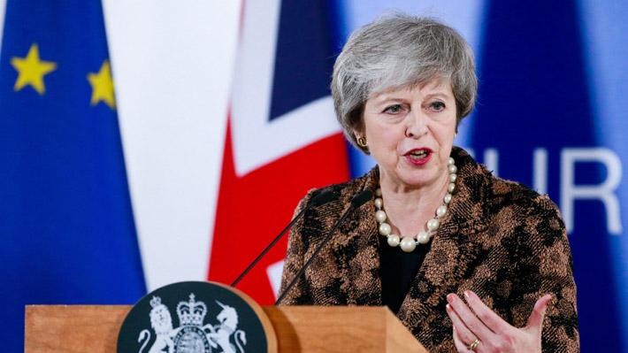 """Theresa May está preparando una """"nueva oferta"""" al Parlamento para obtener una aprobación frente al Brexit"""