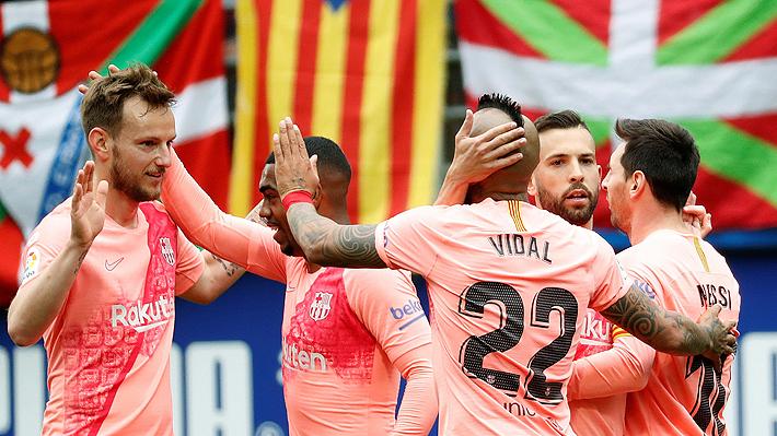 Vidal cerró su primera Liga española con el Barcelona con una asistencia en el empate ante el Eibar