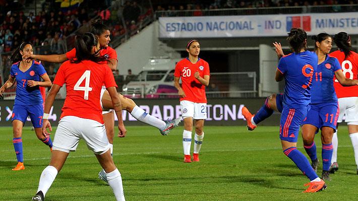 """La """"Roja"""" femenina sufre con un empate en la agonía ante Colombia en su despedida antes de viajar al Mundial de Francia"""