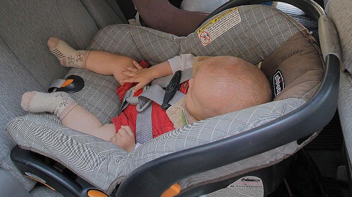 Academia Americana de Pediatría advierte sobre riesgos de usar las sillas de auto como alternativas a cunas o moisés