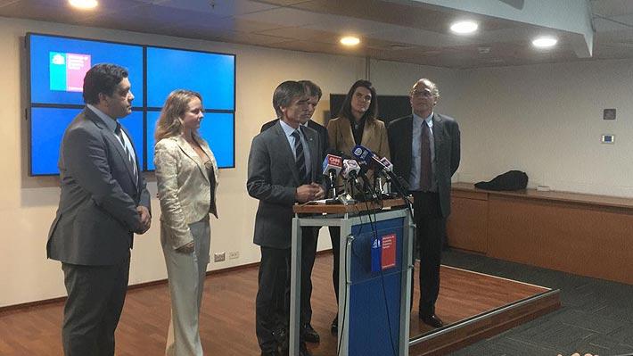 Valente presenta los cinco miembros del nuevo consejo consultivo que asesorará al INE