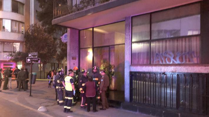 Seis muertos deja presunta emanación de gas en edificio del centro de Santiago