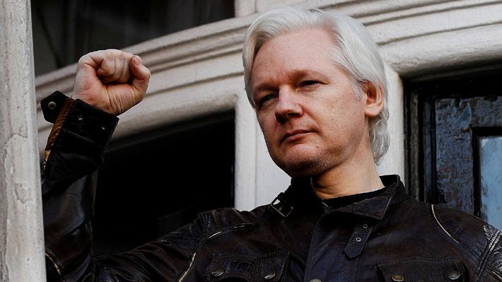 Estados Unidos anuncia 17 nuevos cargos criminales en contra de Julian Assange