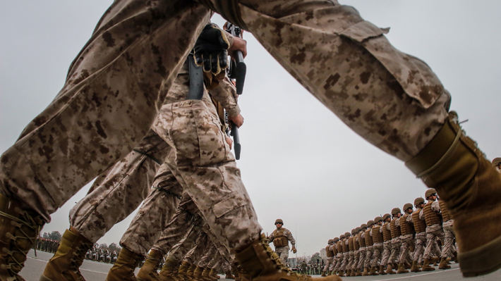 """Ejército dice que test psicológico a conscriptos """"minimiza riesgos"""", pero """"no asegura la no existencia de casos"""""""