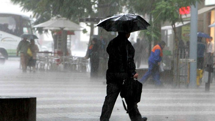 """Meteorología: Próximo martes llegarían las """"primeras lluvias importantes"""" del año en la Región Metropolitana"""