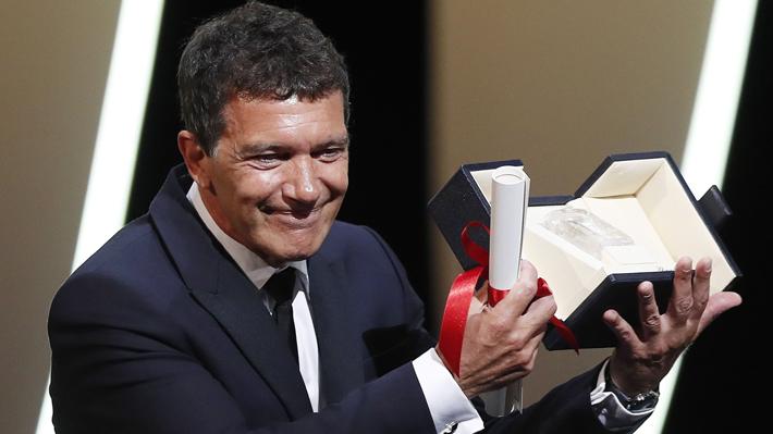 Antonio Banderas gana la Palma de Oro a mejor actor en el Festival de Cannes
