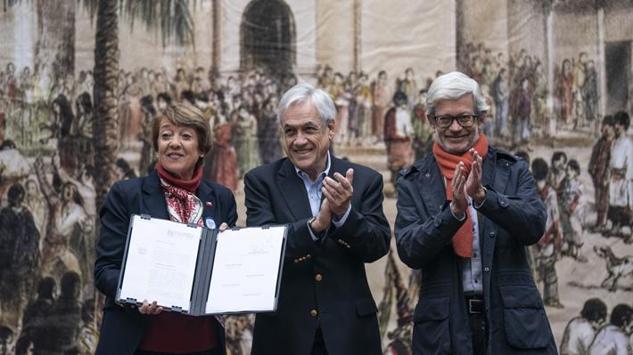 Piñera firma proyecto de ley para proteger patrimonio: Monumentos y edificios serán algunos de los resguardados