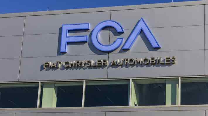 Fiat Chrysler negocia fusión con Renault para enfrentar crecientes desafíos de sector automotor
