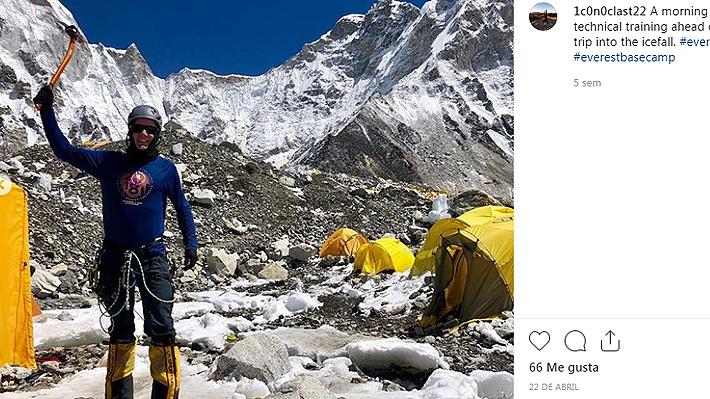 """Alpinista británico que murió en el Everest advirtió de peligros en último video que difundió: """"Espero poder evitar la multitud"""""""