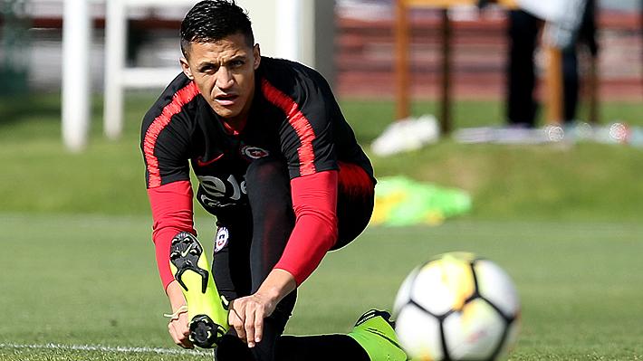 """Alexis deja en duda su presencia en la Copa América al confesar que sufre """"una infección del tobillo"""""""