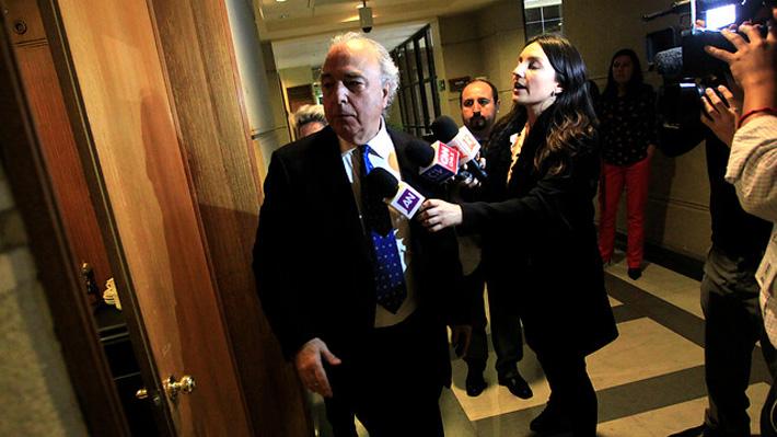 """Diputado García (RN) renuncia a la presidencia de comisión tras """"día de furia"""" en que agredió a periodista y discutió con sus pares"""