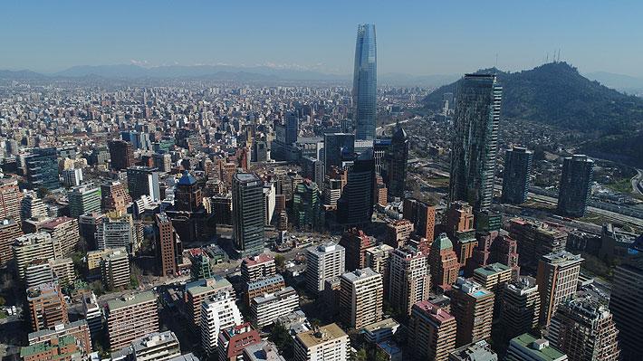 Chile sufre dura caída en el ranking de Competitividad Mundial: ¿Cuál es la evolución en los últimos 20 años?