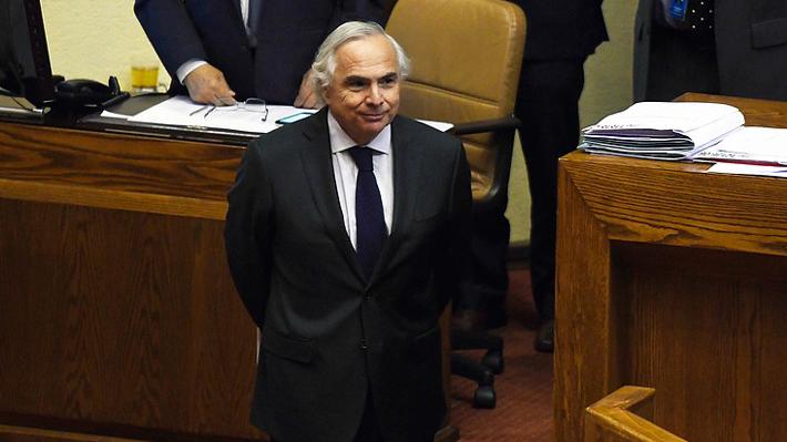"""Chadwick llama a dejar la """"política pequeña"""" y oposición emplaza al Presidente a pagar contribuciones de casa en Caburgua"""