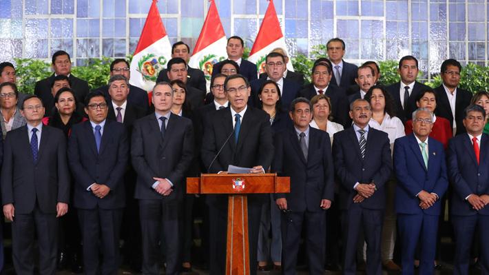 Presidente Vizcarra presiona al Congreso peruano: Evalúa su disolución si no aprueba reformas anticorrupción