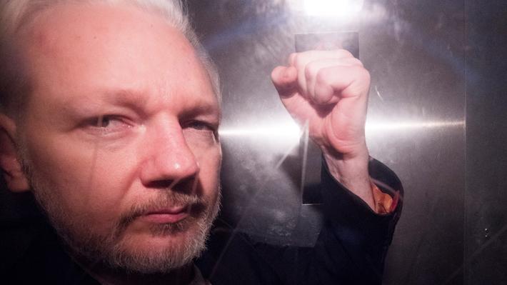 Aplazan hasta junio vista de extradición de Julian Assange a Estados Unidos por problemas de salud