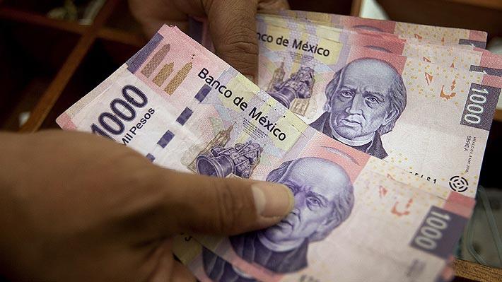 Peso mexicano se desploma tras anuncio de Trump de imponer aranceles a ese país