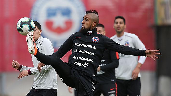 """Vidal ironiza por supuesta elección de jugadores y saca la voz por ausencias de Bravo y Díaz: """"No ganaron las copas solos"""""""