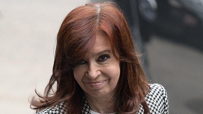 Gobierno argentino obliga a Cristina Fernández a elegir entre recibir pensión por viudez o por su calidad de ex Presidenta