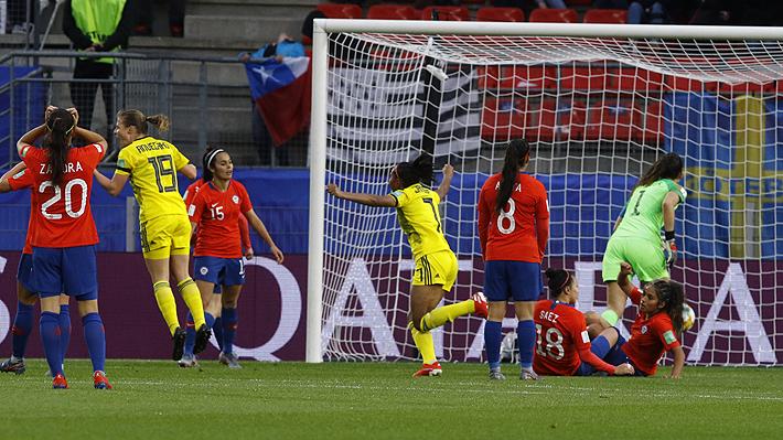 """Así fueron los goles con que Suecia amargó el debut de la """"Roja"""" femenina en una Copa del Mundo"""