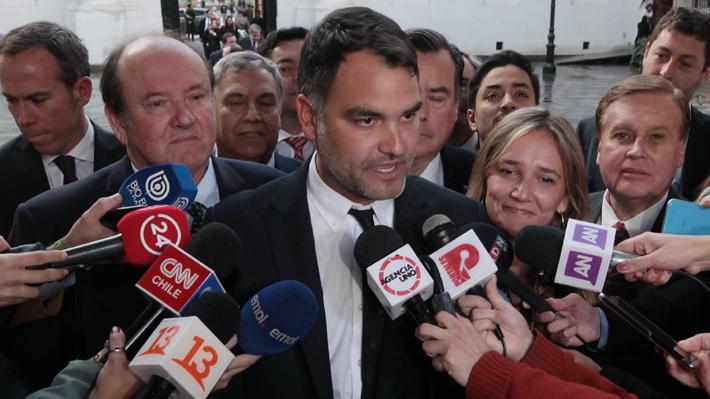 """UDI rechaza posible acusación constitucional contra Cubillos y acusa al PS de """"ponerse del lado de la violencia"""""""