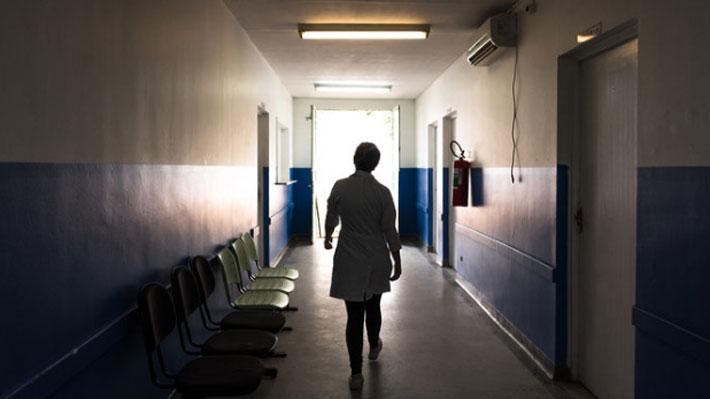 La crisis sanitaria que enfrenta el Gobierno de Bolsonaro tras la retirada de más de 8.000 médicos cubanos