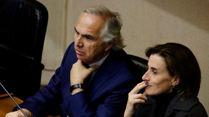 """Chadwick respalda a Cubillos ante posible acusación constitucional: """"Es una gran ministra de Educación"""""""
