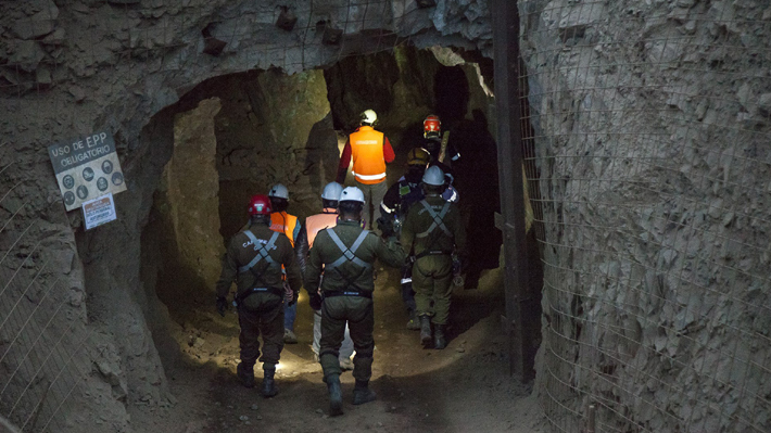 """Intendente explica rescate a minero en Tocopilla: """"Las labores del equipo permitieron que saliera arrastrándose"""""""