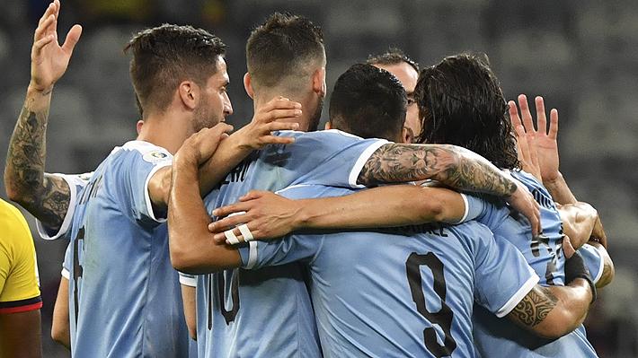 Uruguay muestra sus credenciales y golea a Ecuador en el grupo de Chile de la Copa América