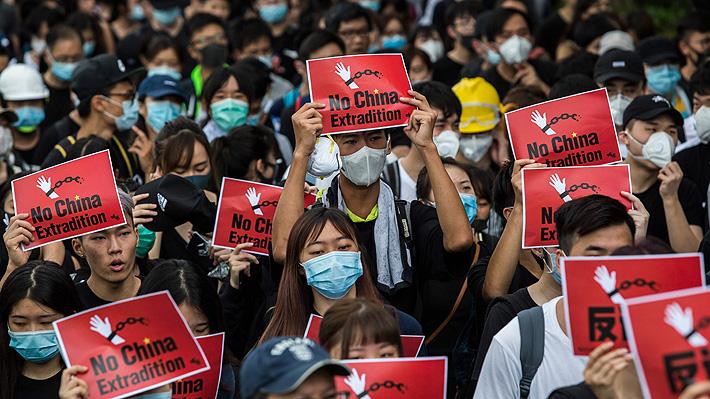 Manifestantes de Hong Kong sorprenden con su comportamiento: limpiaron las calles tras protestas